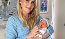 У Клэр Холт родился первый ребенок